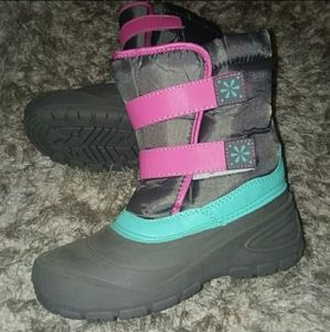 NWT GIRLS SNOW BOOTS